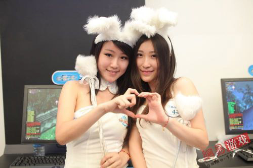 ChinaJoy 2011: Những cặp đôi showgirl đáng yêu (1) 5