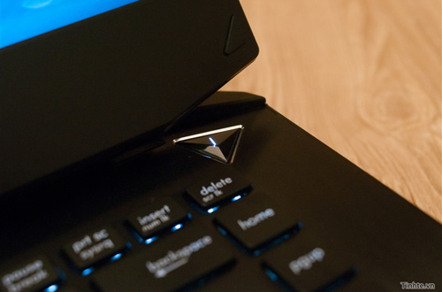 Nhìn cận cảnh laptop chơi game Asus R.O.G G46v 3