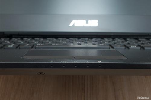 Nhìn cận cảnh laptop chơi game Asus R.O.G G46v 8