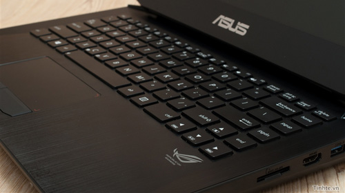 Nhìn cận cảnh laptop chơi game Asus R.O.G G46v 10