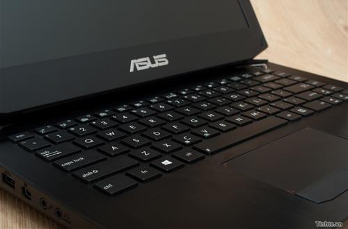 Nhìn cận cảnh laptop chơi game Asus R.O.G G46v 13