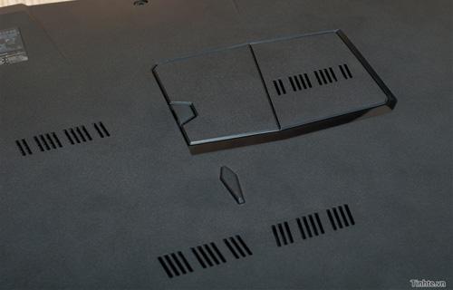 Nhìn cận cảnh laptop chơi game Asus R.O.G G46v 21