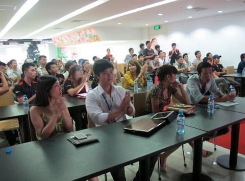 Game thủ Đột Kích và chuyến thi đấu đáng nhớ tại Hà Nội 5