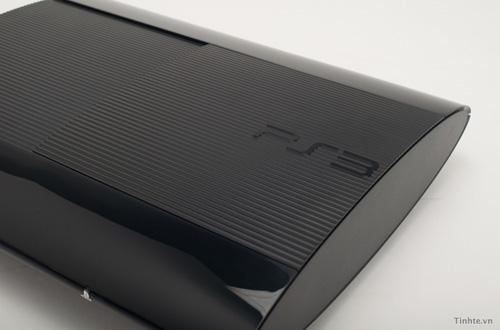 Cận cảnh máy chơi game PS3 Super Slim tại Việt Nam 7