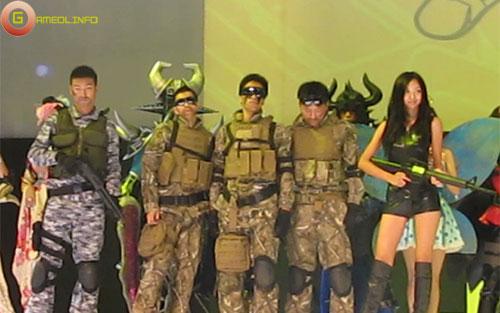Người đẹp và cosplay tại Tencent Games 2009 (2) 1