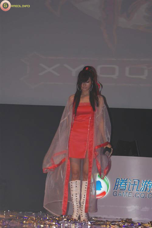 Người đẹp và cosplay tại Tencent Games 2009 (1) 10