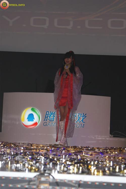 Người đẹp và cosplay tại Tencent Games 2009 (1) 11