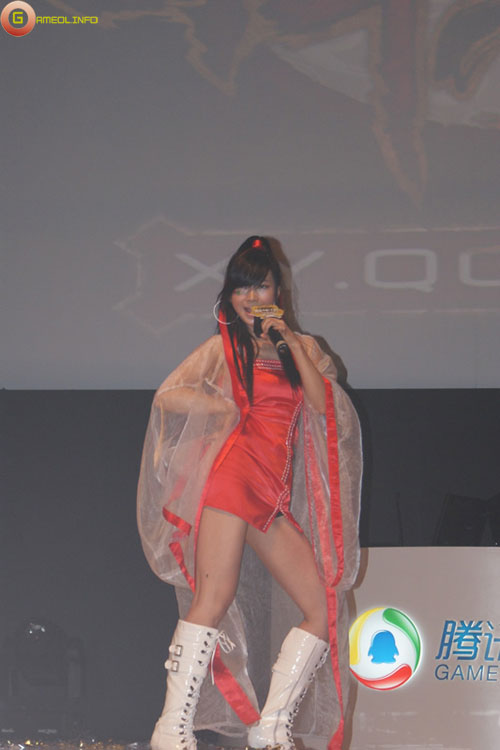 Người đẹp và cosplay tại Tencent Games 2009 (1) 16