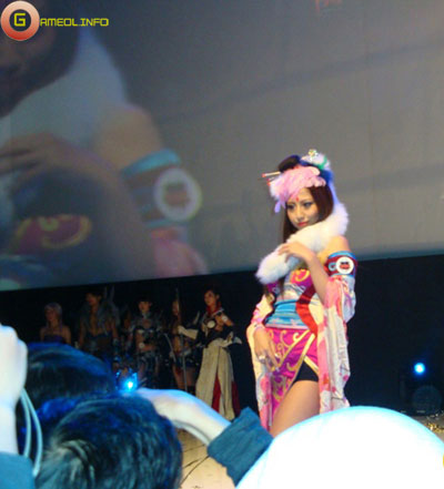 Người đẹp và cosplay tại Tencent Games 2009 (1) 27