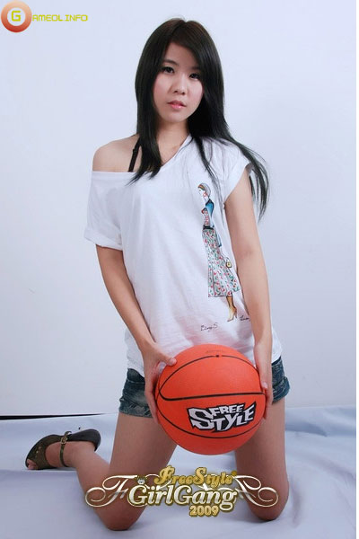 """18 """"nữ cầu thủ"""" xinh đẹp của FreeStyle Thái Lan 5"""