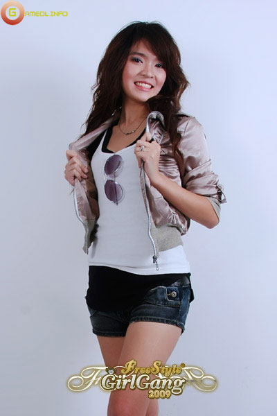 """18 """"nữ cầu thủ"""" xinh đẹp của FreeStyle Thái Lan 7"""