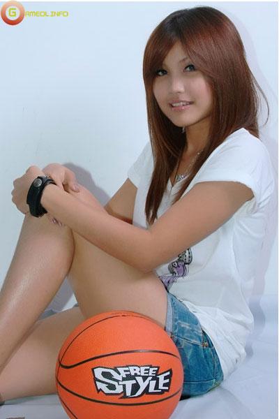 """18 """"nữ cầu thủ"""" xinh đẹp của FreeStyle Thái Lan 12"""