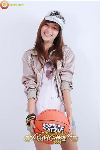 """18 """"nữ cầu thủ"""" xinh đẹp của FreeStyle Thái Lan 17"""
