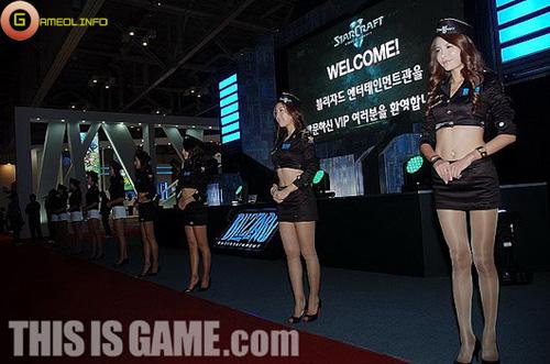 """Dạo bước Gstar 2009 cùng các showgirl """"chân dài"""" 2"""