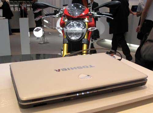 Toshiba Ducati U500 - laptop xe đua 5